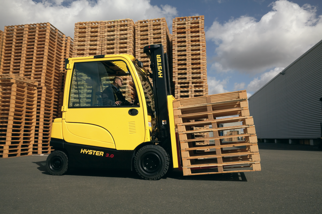 http://paterpartner.fi/uploads//images//J2.2-3.5XN-Electric-Counterbalanced-Forklift-Truck-App6.png